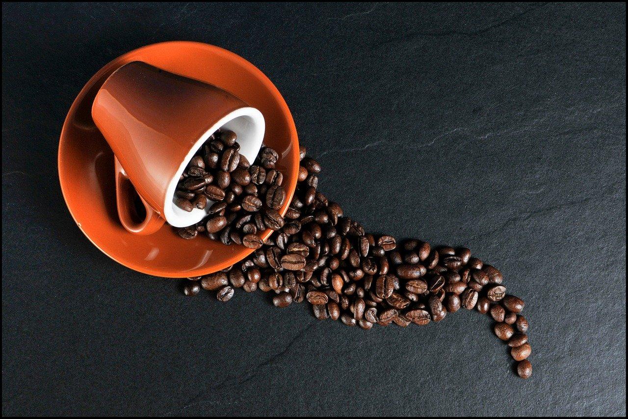 初心者が自宅でコーヒーを楽しむための基礎知識と必要な道具セット。